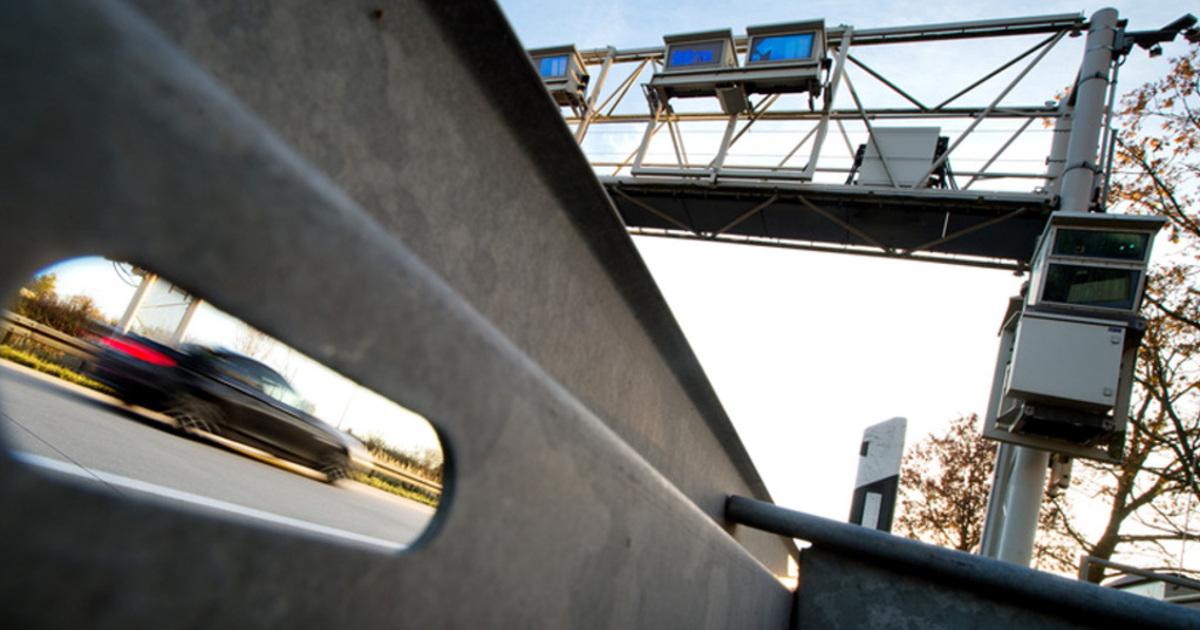 radbolzen durchschl gt auto windschutzscheibe auf der a5. Black Bedroom Furniture Sets. Home Design Ideas