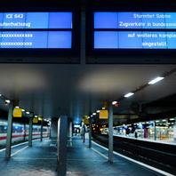 Unwetter, Sabine, Orkan, Bahnhof, Zugausfall