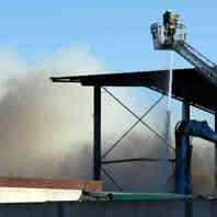 Rauchwolke, Feuerwehr, Rauch, Großbrand, Hurter, Recyclingbetrieb, Malterdingen, Drehleiter