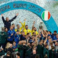 EM-Sieg, Europameisterschaft, Feier, Pokal, Euro 2020, UEFA, Italien, Fußball