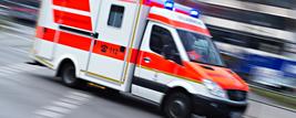 Rettungswagen, Blaulicht, © Nicolas Armer - dpa