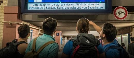 Bahnhof, Offenburg, Zugreisende, © Benedikt Spether - dpa