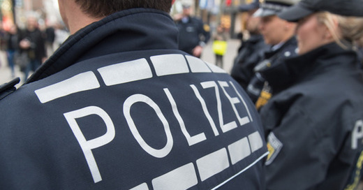 Polizei, Streife, © Maarijan Murat - dpa