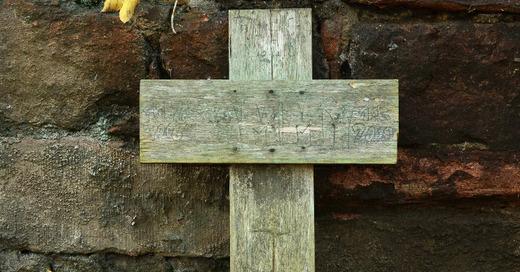 Holzkreuz, Grab, Trauer, © Pixabay