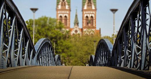 Wiwili-Brücke, Blaue Brücke, Freiburg, Hauptbahnhof, © pixabay