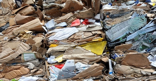 Müll, Papier, Karton, © Patrick Seeger - dpa