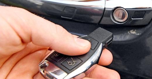 Autoschlüssel, Funk, Sicherheit, © Uli Deck - dpa