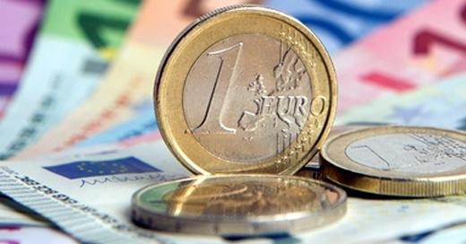 Geld, Euro, Münzen, Scheine, © Daniel Reinhardt - dpa