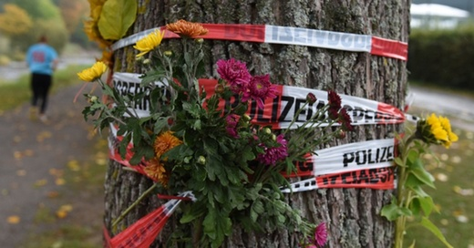 Trauer, Blumen, Dreisam, Absperrung, © Patrick Seeger - dpa