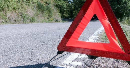 Warndreieck, Unfall, Gefahrenstelle, © Pixabay