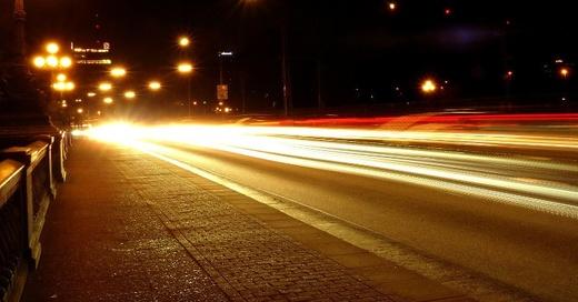 Scheinwerfer, Auto, Verkehr, © Pixabay