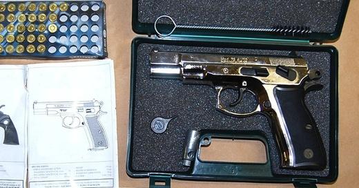 Schreckschusspistole, Revolver, Waffe, © Grenzwachtregion Basel