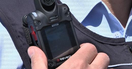Bodycam, Körperkamera, Uniform, Polizei, © baden.fm