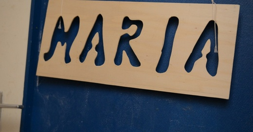Maria, Vermisst, Türschild, © Patrick Seeger - dpa