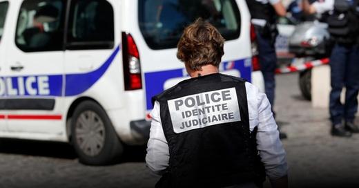 Terror, Paris, Frankreich, Polizei, © Kamil Zihnioglu - AP / dpa