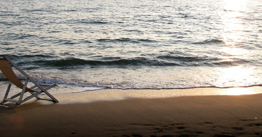 Strand, Sonnenuntergang, Meer, Liegestuhl, Urlaub, © baden.fm (la)