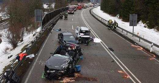 Unfall, B31, Neustadt, © Patrick Seeger - dpa