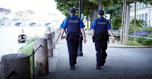 Polizei, Kantonspolizei, Basel, Blaulicht, © Kantonspolizei Basel-Stadt / Staatskanzlei Basel