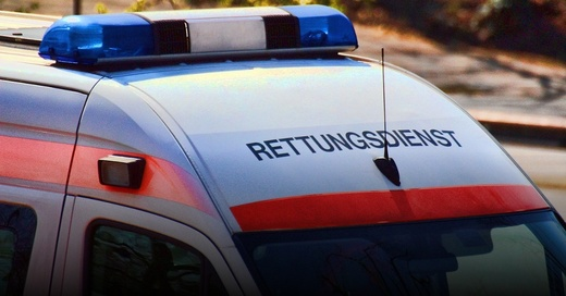 Rettungswagen, Krankenwagen, Notarzt, © Pixabay (Symbolbild)
