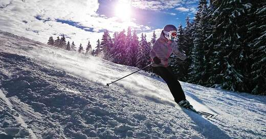 Witnersport im Schnee mit Ski, © Symbolbild/pixabay