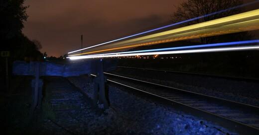Gleise, Zug, Rheintalbahn, © Pixabay (Symbolbild)