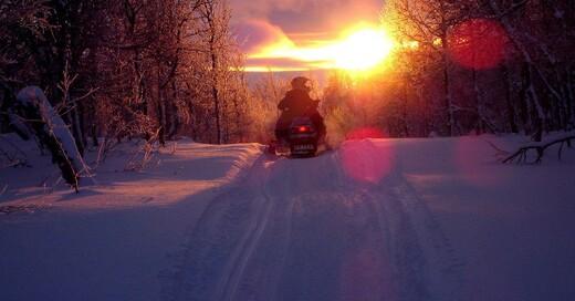 Schneemobil, Motorschlitten, Schnee, © Pixabay (Symbolbild)