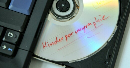 Kinderpornografie, CD, Datenträger, © Uwe Zucchi - dpa (Symbolbild)