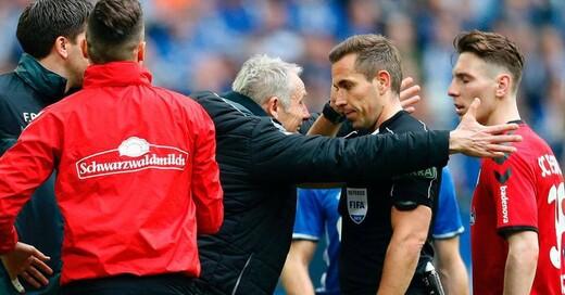 SC Freiburg, Christian Streich, Schiedsrichter, Tobias Stieler, Schalke 04, © Ina Fassbender - dpa