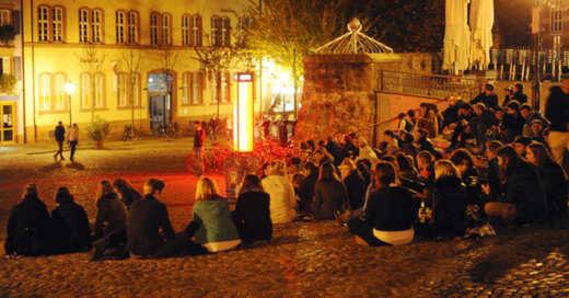 Augustinerplatz, Freiburg, Lärm, Säule der Toleranz, © Patrick Seeger - dpa (Symbolbild)