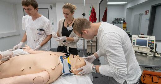 Simulationszentrum, Training, Medizinstudenten, Uniklinik, Freiburg, © Patrick Seeger - Universitätsklinikum Freiburg