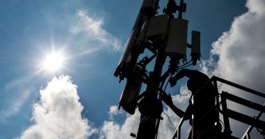 Mobilfunkmast, Mobilfunkantenne, 5G, Handynetz, © Matthias Balk - dpa (Symbolbild)