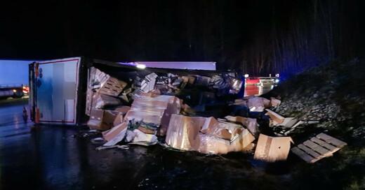 Unfall, B31, Lastwagen, LKW, © Fred Bank GmbH & Co. KG