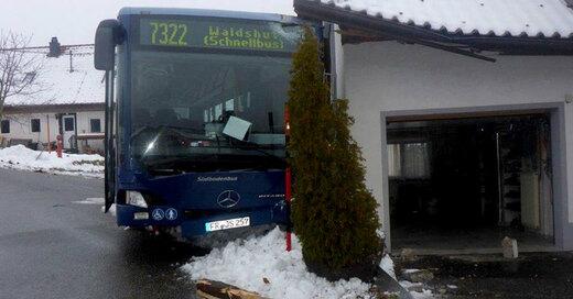 Weilheim, Unfall, Linienbus, © Polizeipräsidium Freiburg / dpa