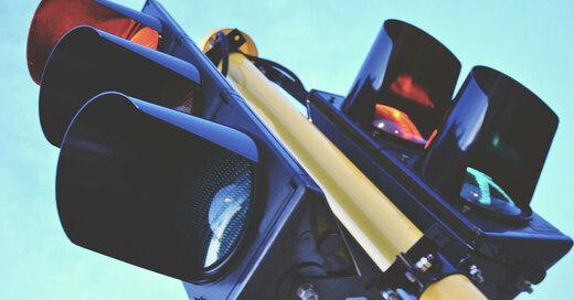 Ampel, rot, Verkehr, Stau, © Pixabay (Symbolbild)