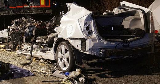 Autounfall, Wrack, Verkehrstote, © Gress - SDMG / dpa (Symbolbild)