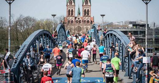 Mein Freiburg Marathon, Läufer, Sport, Wiwili-Brücke, © Baschi Bender / FWTM