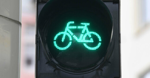 Fahrrad, Ampel, Grün, © Uli Deck - dpa (Symbolbild)