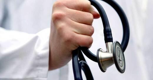 Arzt, Stethoskop, Medizin, Gesundheit, © Rolf Vennenbernd - dpa (Symbolbild)