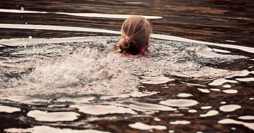 Schwimmen, Badesee, Baggersee, © Pixabay