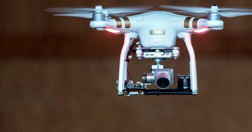 Drohne, Kamera, © Daniel Maurer - dpa