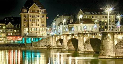 Basel, Nacht, Brücke, Rhein, © Pixabay (Symbolbild)