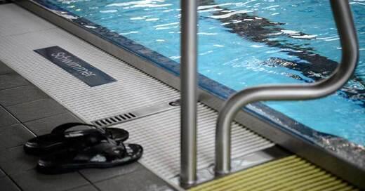 Schwimmbad, Schwimmerbecken, Hallenbad, © Sina Schuldt - dpa (Symbolbild)
