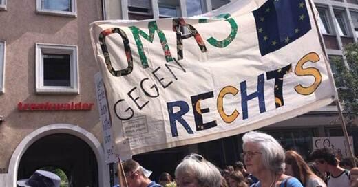 Omas gegen Rechts, Freiburg, Demo, Fridays For Future, © Omas gegen Rechts Freiburg