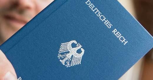 Reichsbürger, Deutsches Reich, Reisepass, © Patrick Seeger - dpa (Symbolbild)