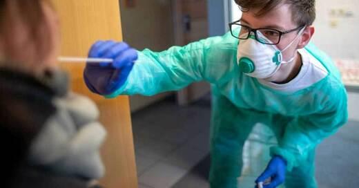 Coronavirus, Rachenabstrich, Test, © Jens Büttner - dpa (Symbolbild)