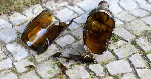 Glasflasche, Glasscherben, Bierflaschen, © Pixabay (Symbolbild)