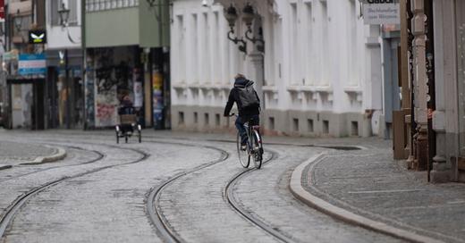 Fahrradfahrer, Innenstadt, Freiburg, © Patrick Seeger - dpa