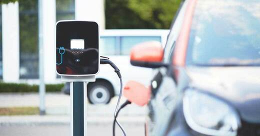 Elektroauto, Tankstelle, Ladestation, Verkehr, © Pixabay (Symbolbild)