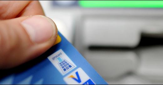 Kartenzahlung, Bankautomat, Geldautomat, Kreditkarte, EC Karte, © Angelika Warmuth