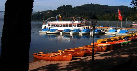 Titisee-Neustadt, Ausflugsschiffe, Boote, Sommer, Tourismus, © Pixabay (Symbolbild)